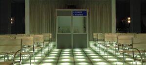 Vermietung von Konferenztechnik und Dolmetschkabinen.