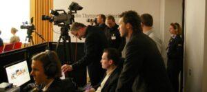 PCS Techniker am Arbeitsplatz während einer Veranstaltung.