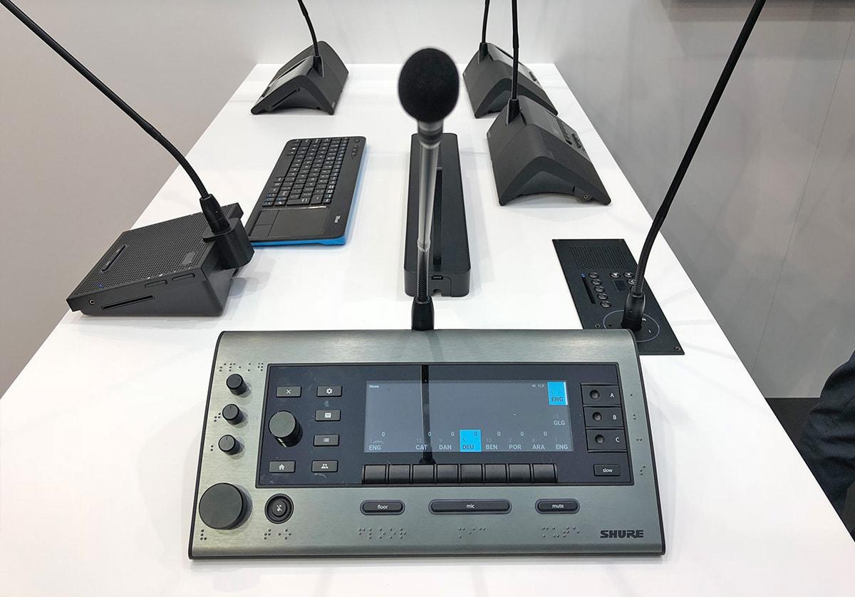 Shure Microflex Complete Dolmetscherpult